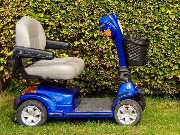 Un-ampia-scelta-di-scooter-elettrici-bologna