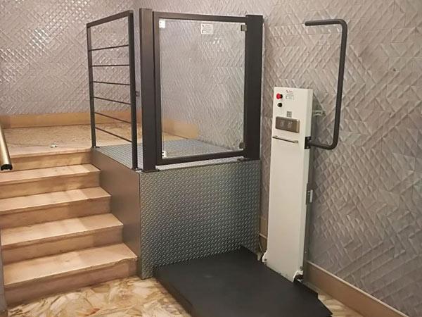 Mini-elevatore-con-vano-aperto-emilia-romagna